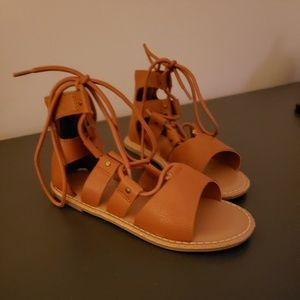 NWOT Gapkids Toddler Gladiator Sandals 12